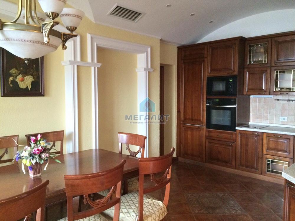 Продажа 3-к квартиры Гвардейская 56, 154 м² (миниатюра №1)