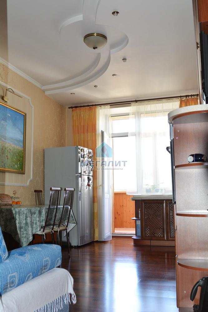Продаю просторную 4-х комнатную квартиру по ул. Вахитова (миниатюра №6)