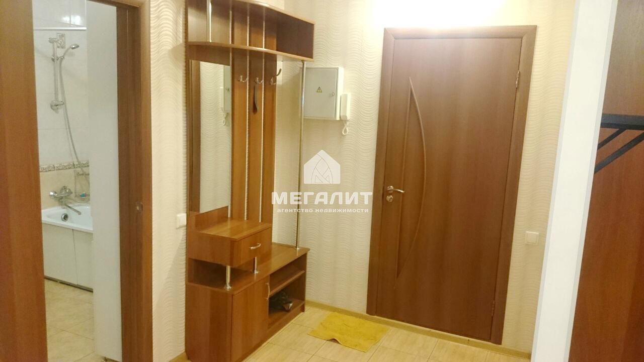 Аренда 1-к квартиры Адоратского 4А