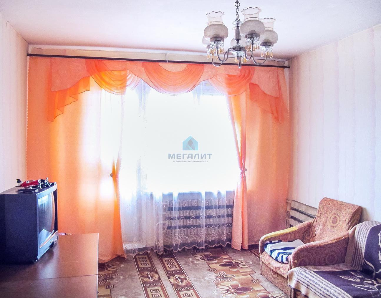 Продажа 2-к квартиры Серова 4