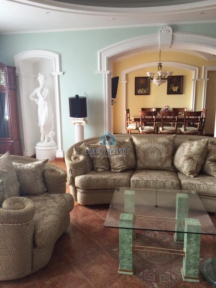 Продажа 3-к квартиры Гвардейская 56, 154 м² (миниатюра №2)