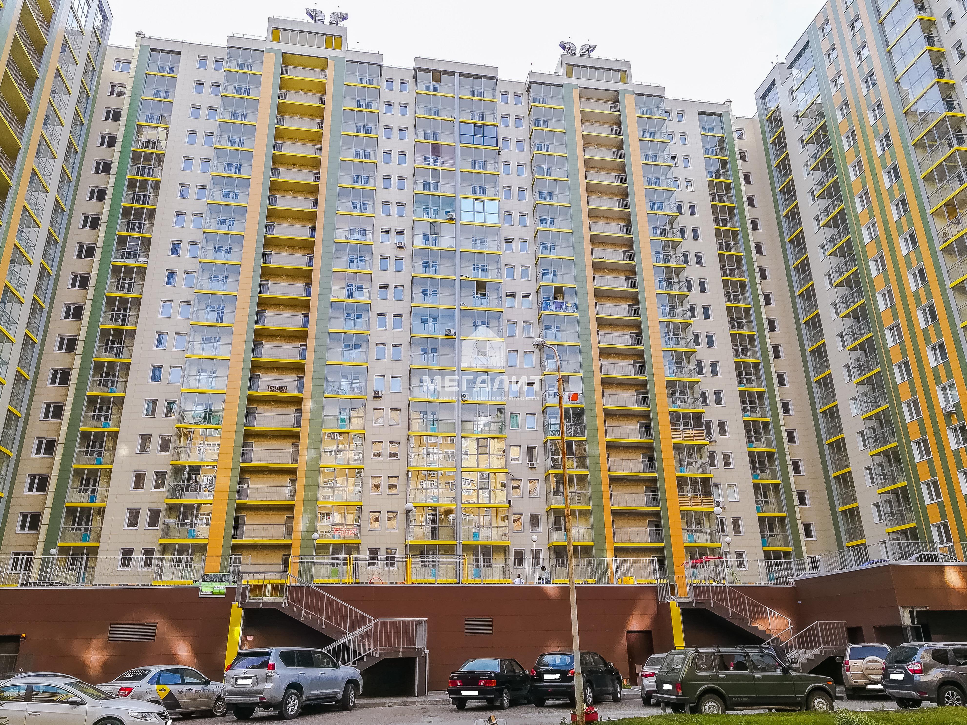 Продажа 3-к квартиры Адоратского 1б