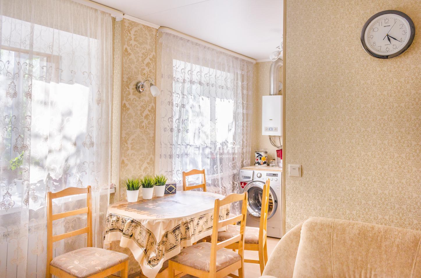 Продажа 2-к квартиры Шамиля Усманова 27