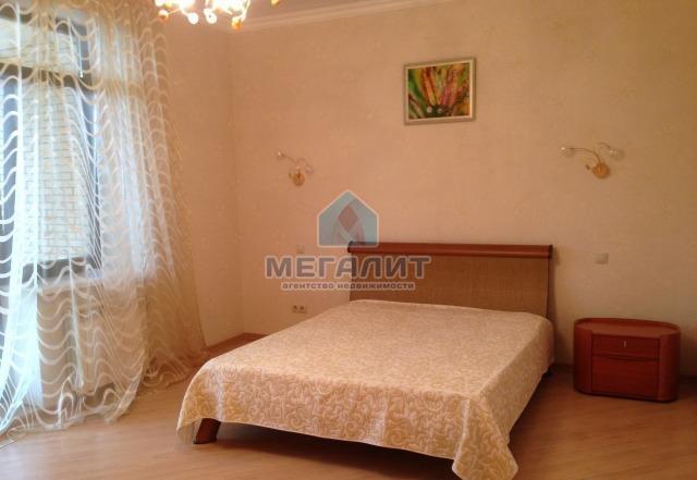 Аренда 2-к квартиры Толстого 14 а, 130 м²  (миниатюра №1)