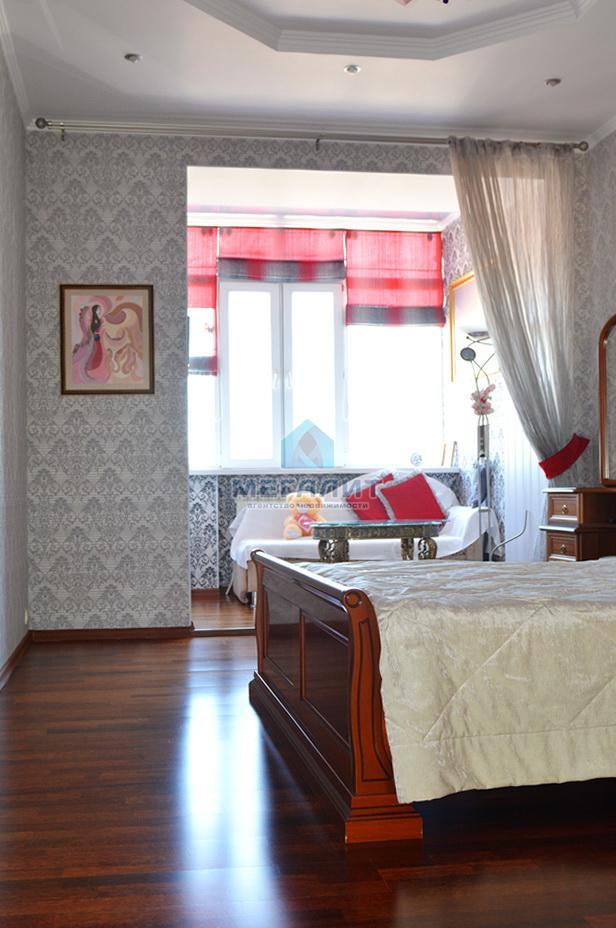 Продаю просторную 4-х комнатную квартиру по ул. Вахитова (миниатюра №8)