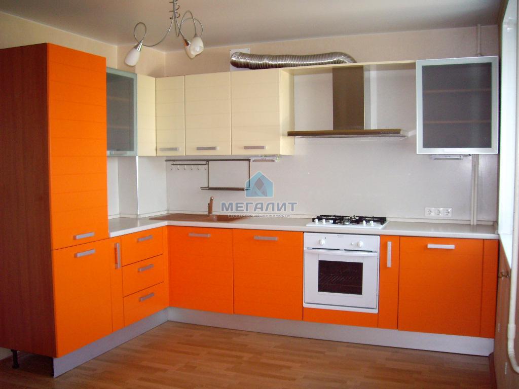Продается 4 комнатная квартира улучшенной планировки (миниатюра №1)