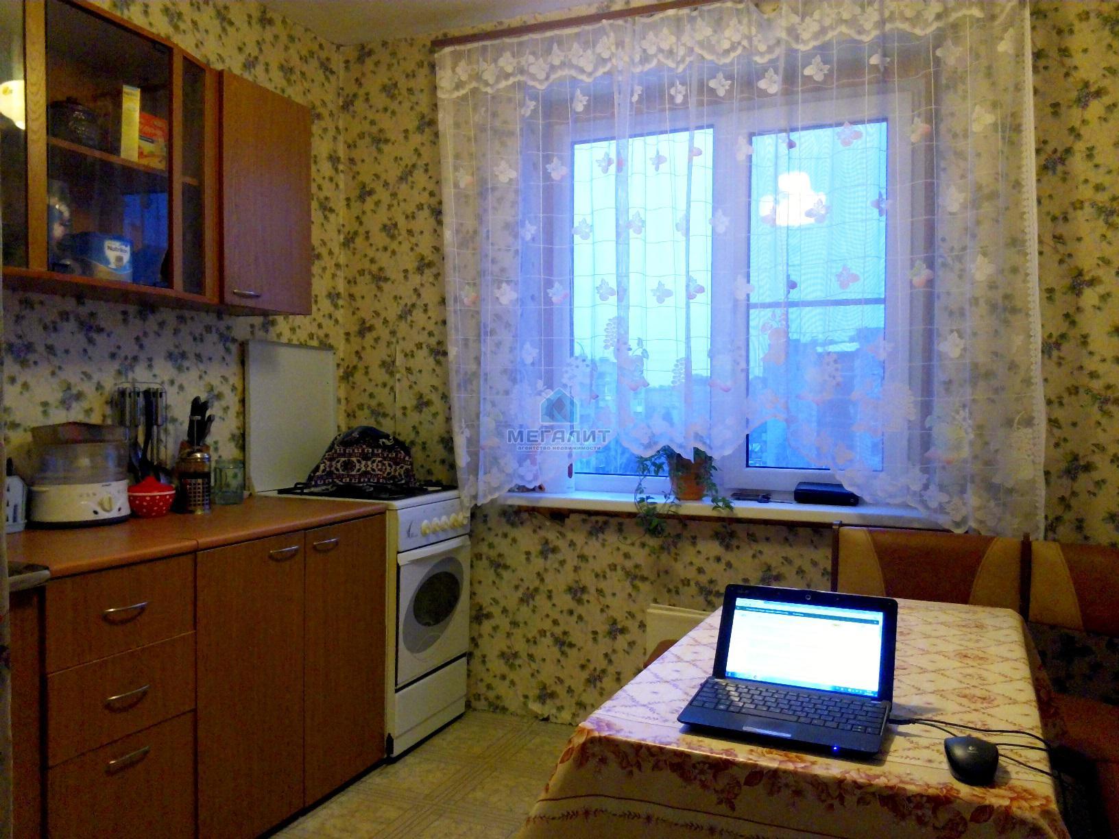 Продам уютную 2-х к. квартиру в спальном районе (миниатюра №1)