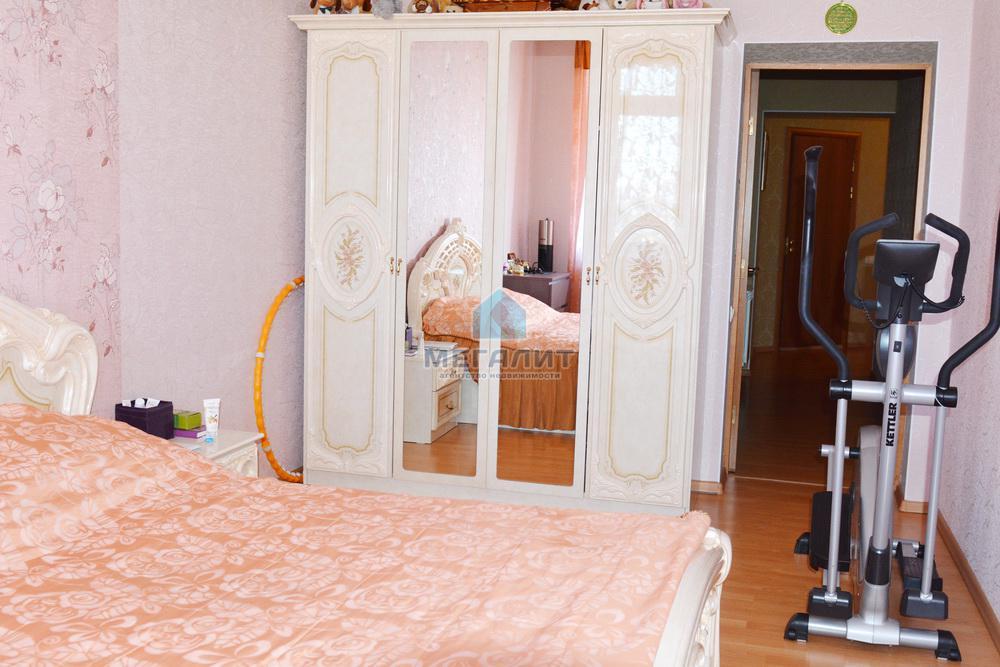 Продаю просторную 4-х комнатную квартиру по ул. Вахитова (миниатюра №10)