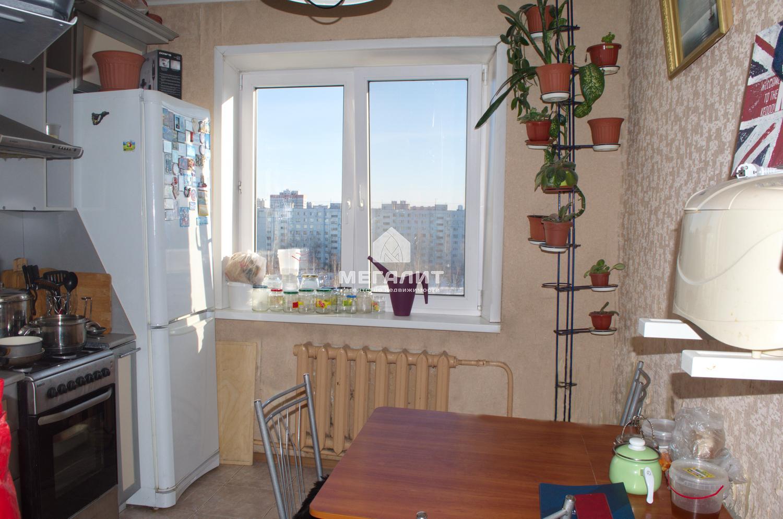 Продажа 2-к квартиры Адоратского 35