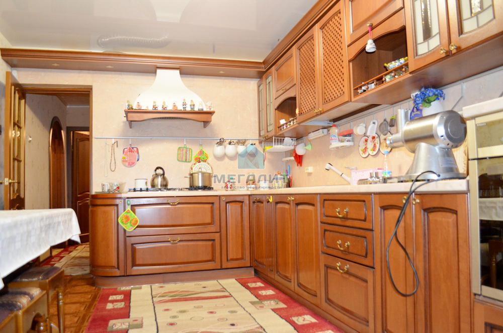 Продажа 4-к квартиры Победы 158, 117 м²  (миниатюра №2)