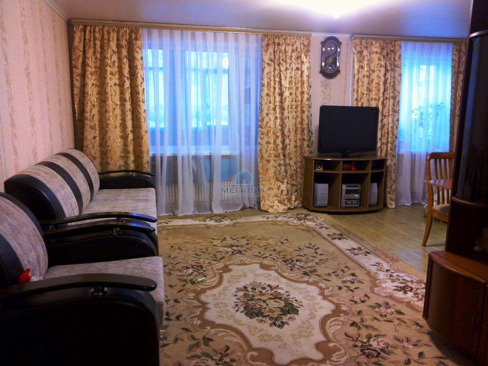 Продажа 3-к квартиры Проспект Победы 144, 90 м² (миниатюра №1)
