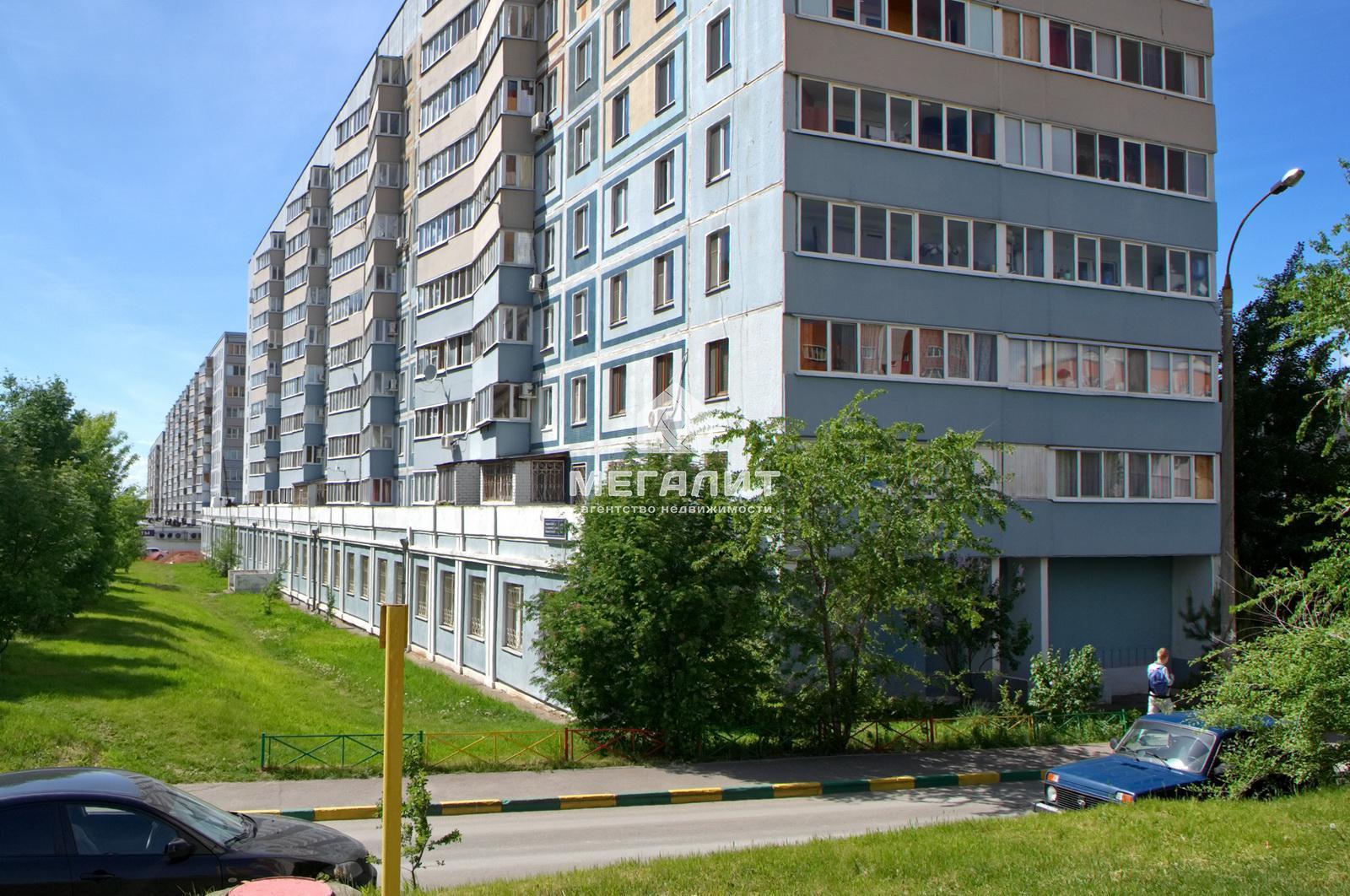 Продажа 2-к квартиры Академика Парина 8