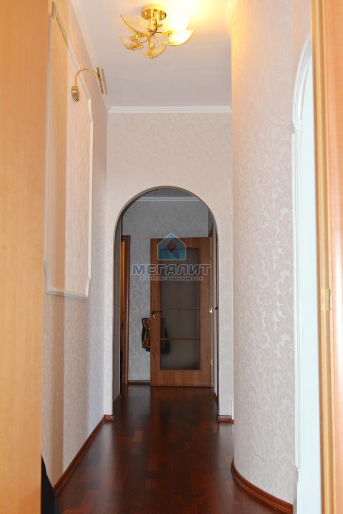 Продаю просторную 4-х комнатную квартиру по ул. Вахитова (миниатюра №7)