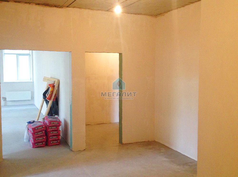 Продается 4-х комнатная квартира (миниатюра №1)