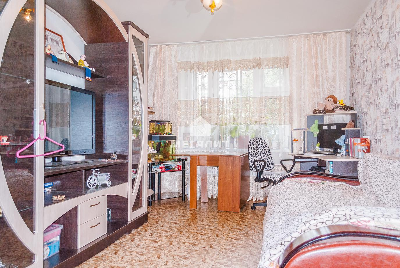 Продажа 3-к квартиры Челюскина 42