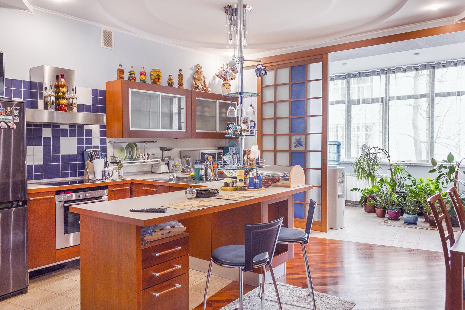 Продажа 4-к квартиры Некрасова 38