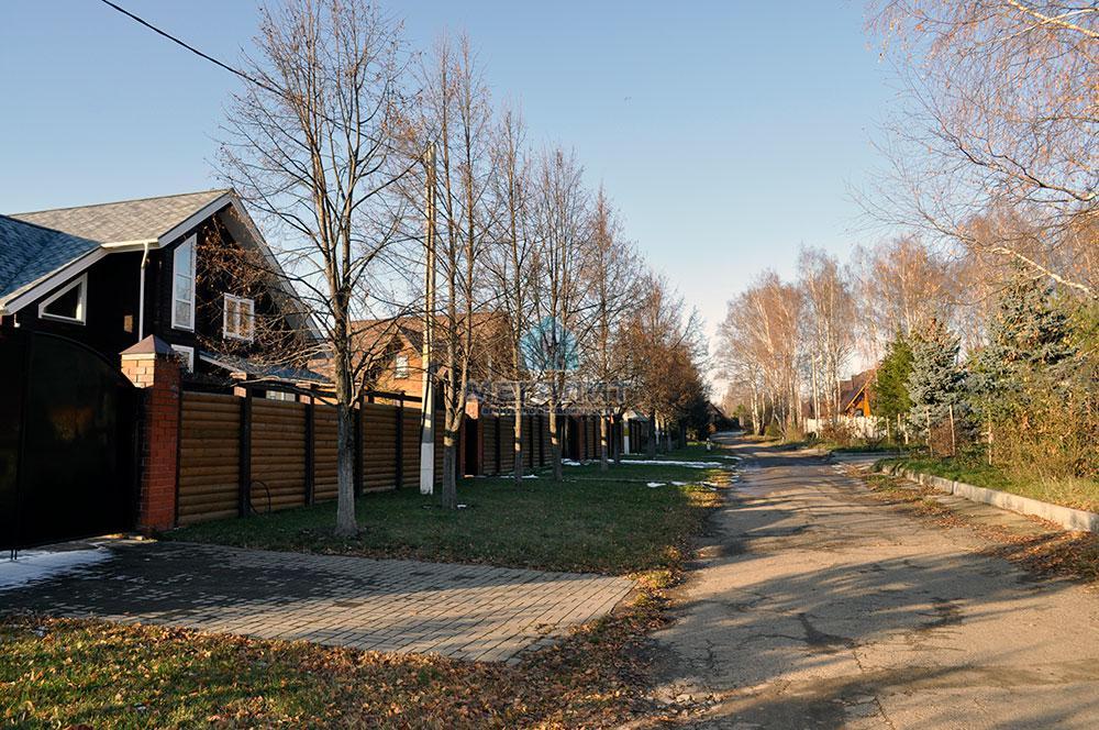 Дом в поселке Вороновка: комфорт в гармонии с природой (миниатюра №20)