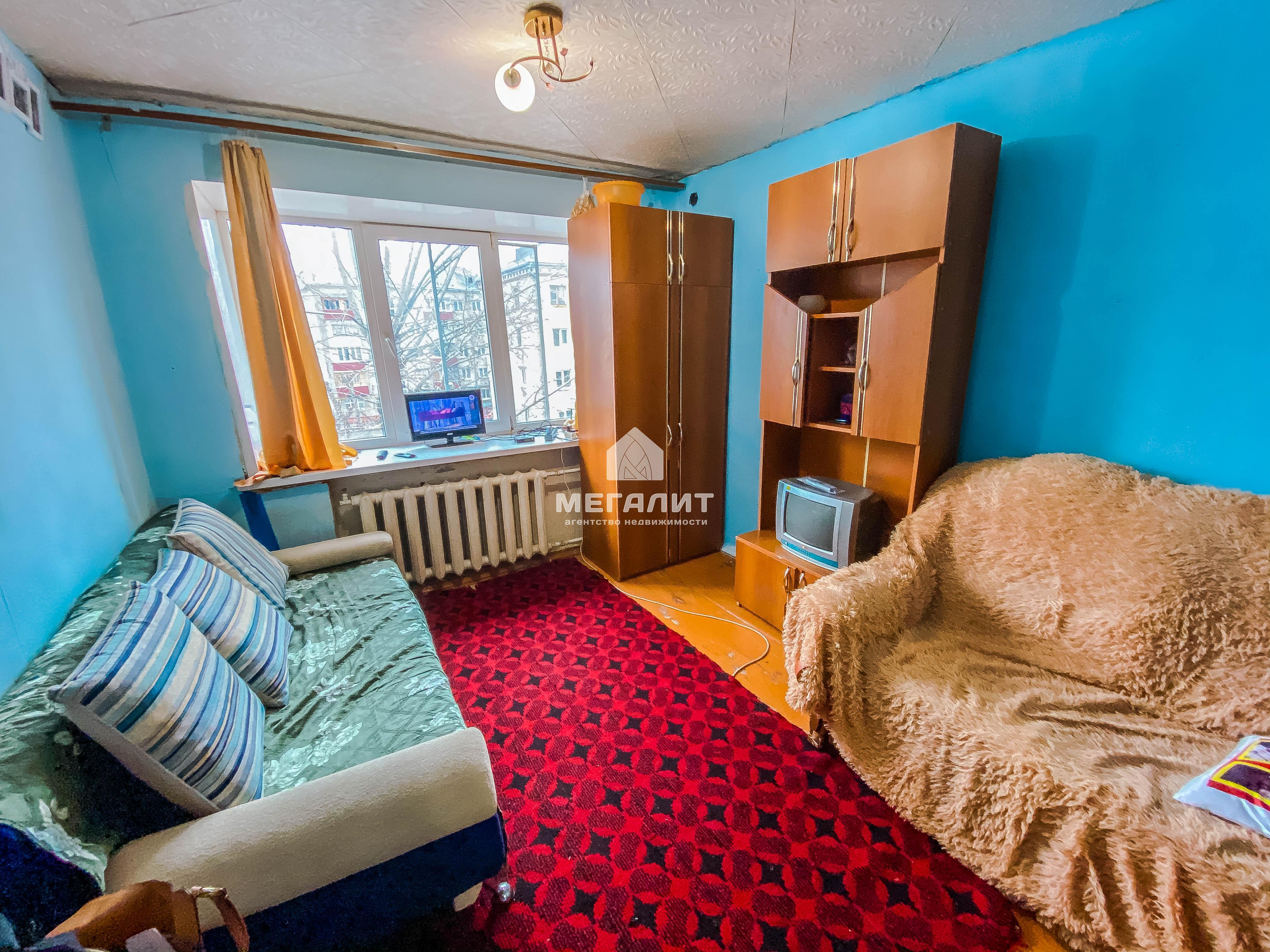 Продажа  комнаты Бирюзовая 19