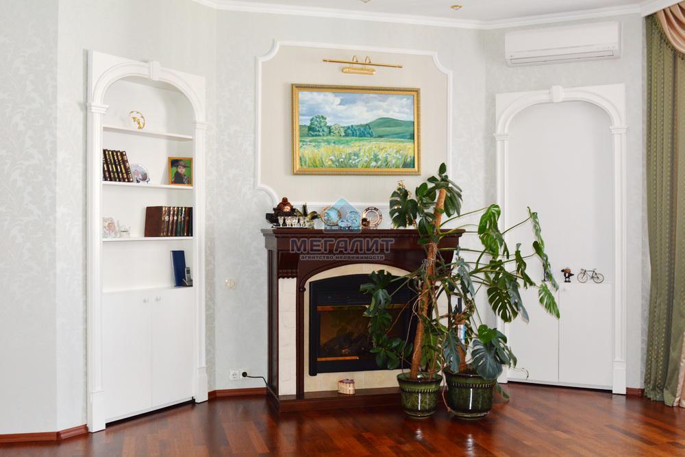 Продаю просторную 4-х комнатную квартиру по ул. Вахитова (миниатюра №2)